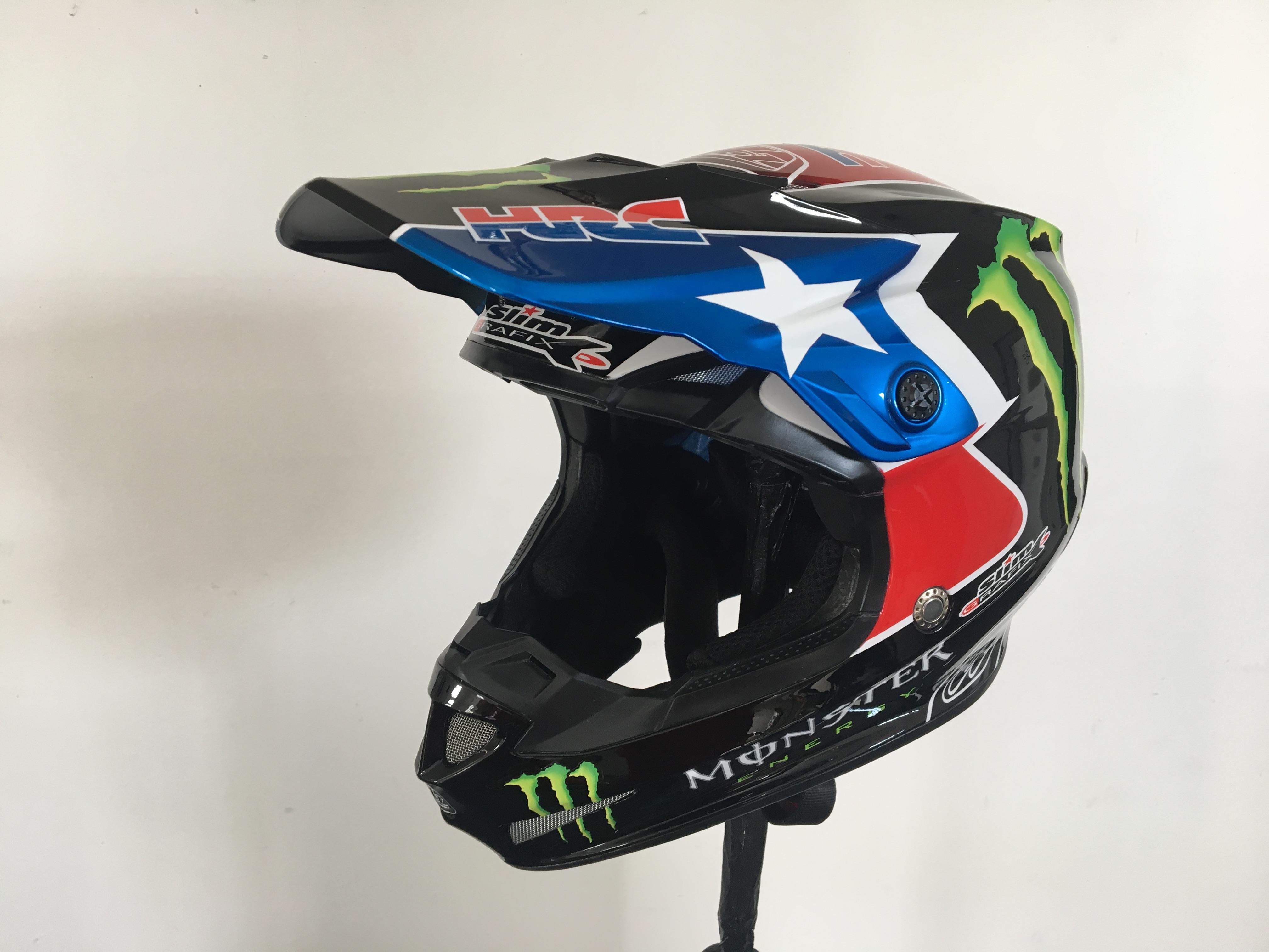 Helmy pro Monster Energy Honda Team od Slim Grafix